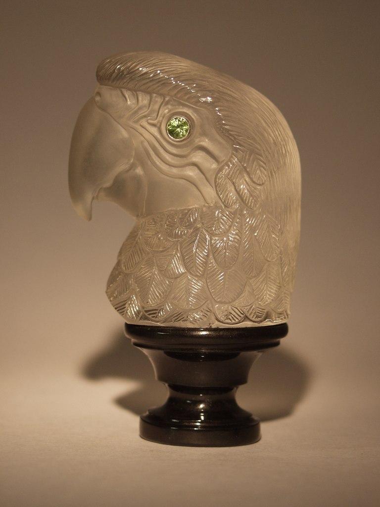 Hardstone carving work Parrot by artist Dmitriy Emelyanenko