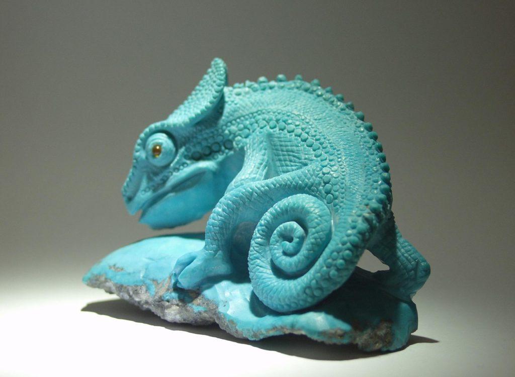 Hardstone cutting artwork Chameleon by stone carver artist Dmitriy Emelyanenko