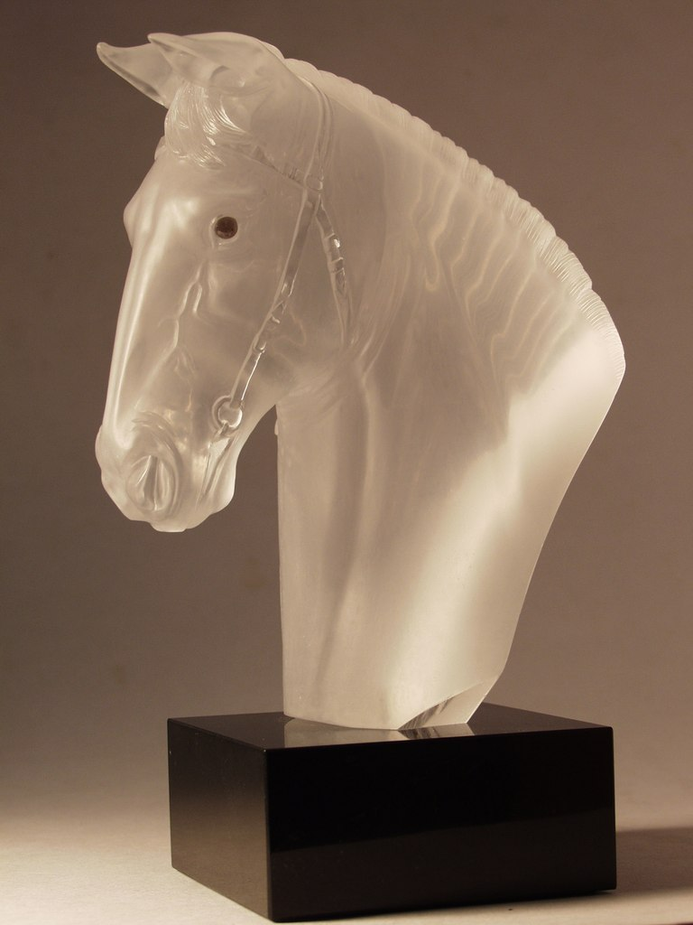 Rock crystal carving artwork Horse head by stone carver Dmitriy Emelyanenko