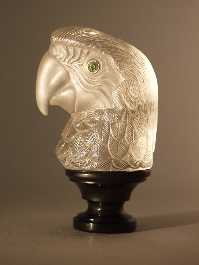 Rock crystal carving artwork Parrot by gemcutter Dmitriy Emelyanenko
