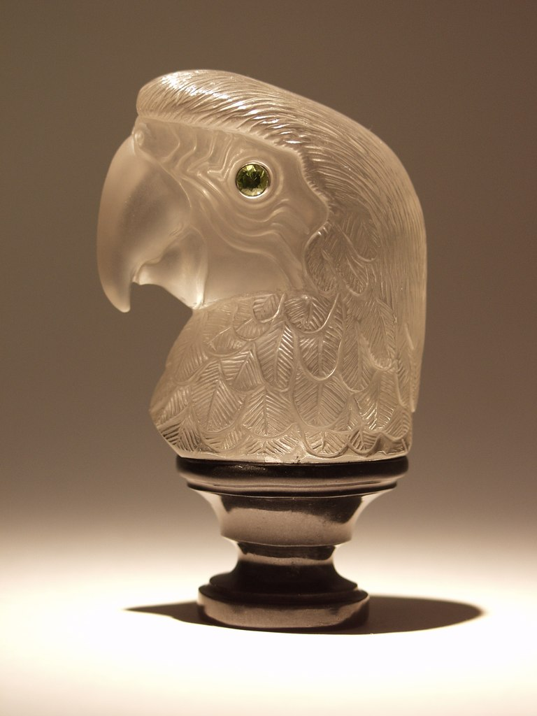 Rock crystal carving work Parrot by stone carver artist Dmitriy Emelyanenko