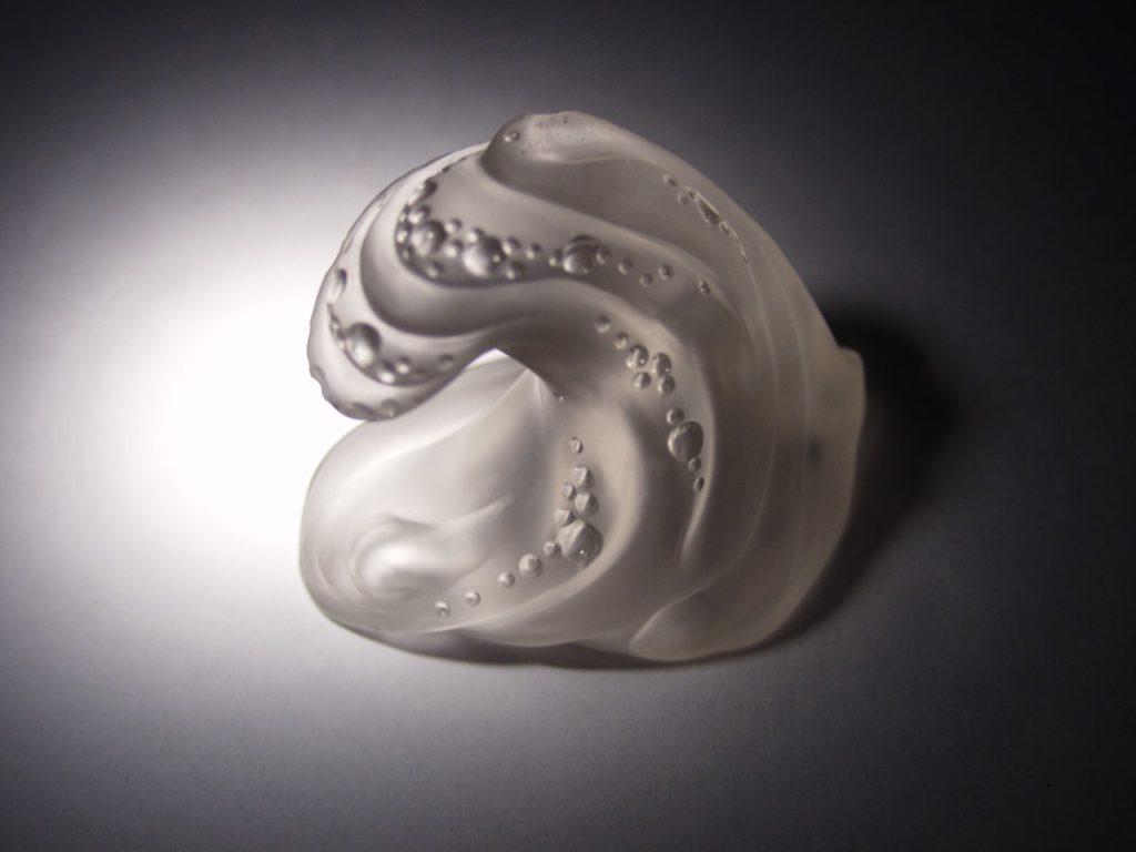 Rock crystal carving work Sea wave by artist Dmitriy Emelyanenko