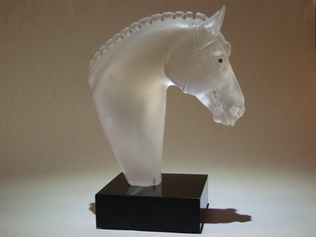Rock crystal carving work Show jumping by artist Dmitriy Emelyanenko