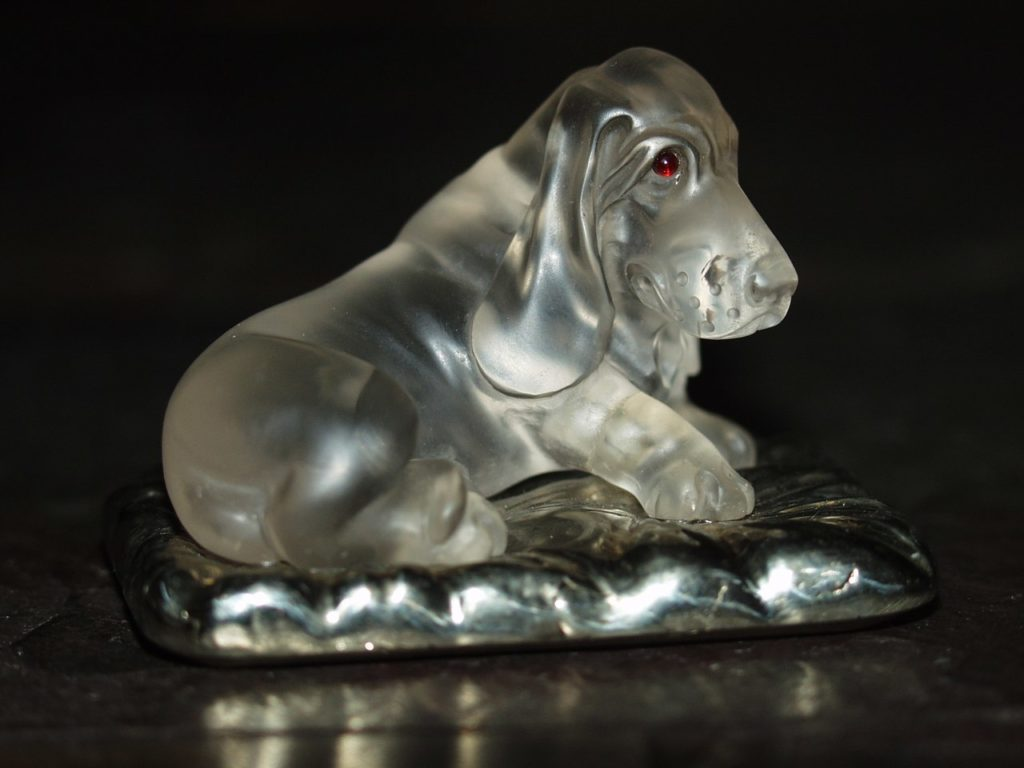Rock crystal cutting artwork Basset by Dmitriy Emelyanenko