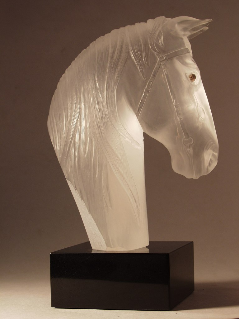 Rock crystal cutting artwork Horse head by hardstone carver Dmitriy Emelyanenko