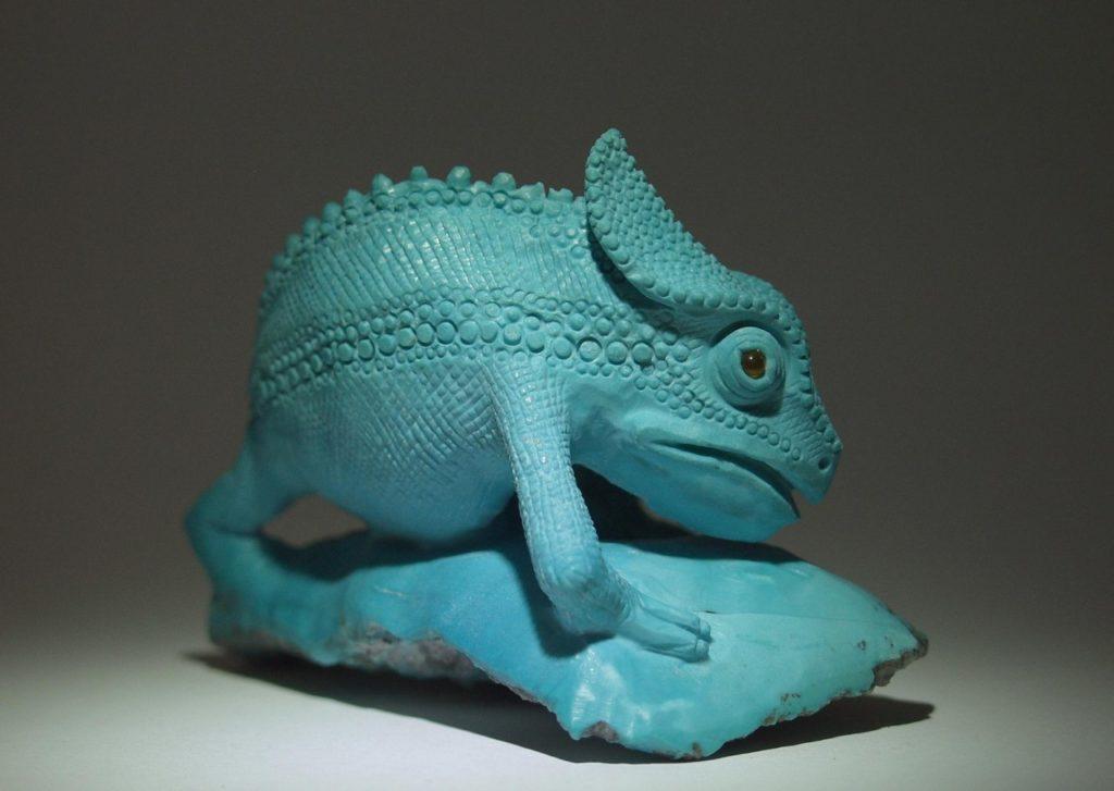 Stone carving artwork Chameleon by gemcutter Dmitriy Emelyanenko