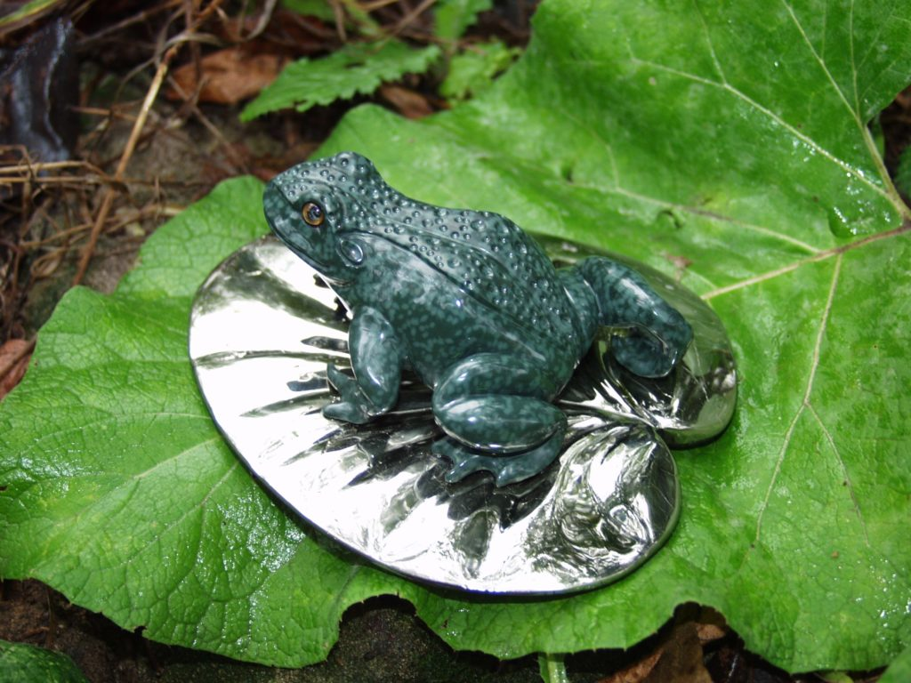 Stone carving work Frog by Dmitriy Emelyanenko