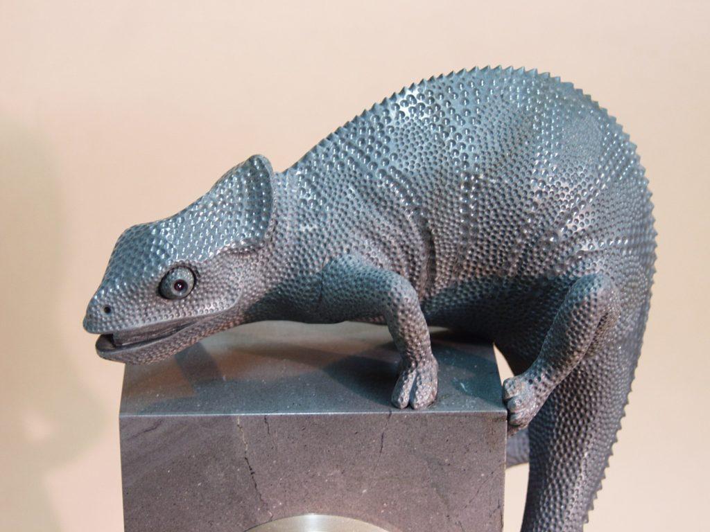 Stone cutting work Chameleon by artist Dmitriy Emelyanenko