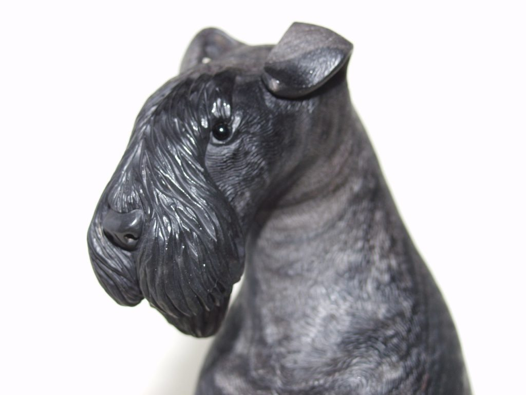 Stone cutting work Terrier by hardstone carver Dmitriy Emelyanenko