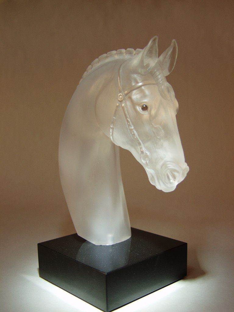 Transparent quartz carving artwork Show jumping by artist Dmitriy Emelyanenko