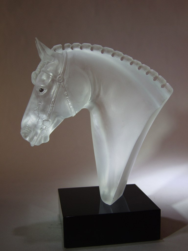 Transparent quartz carving work Show jumping by Dmitriy Emelyanenko